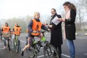 Burgemeester geeft startsein 10e verkeersexamen voor leerlingen in Eemnes